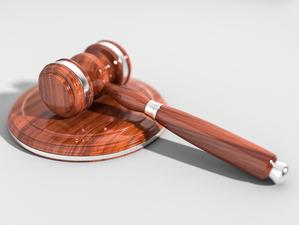 Суд не разрешил снести здание ресторана в Первомайском сквере