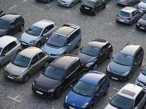 По дорогам России ездят автопенсионеры. Автопарк страны стареет год от года