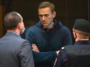 «Нога недееспособна». У Навального в заключении возникли серьезные проблемы со здоровьем