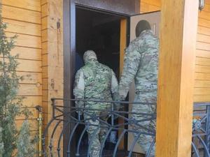 Пришли за своими. Нижегородское ФСБ проводит обыски в домах высокопоставленных полицейских