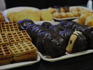 Бесплатный wi-fi и свежие булочки: в Челябинске открылось первое кафе для школьников