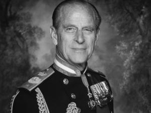 Умер принц Филипп, муж королевы Елизаветы II. Ему было 99 лет