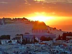 Израиль открывает границы для вакцинированных и переболевших туристов