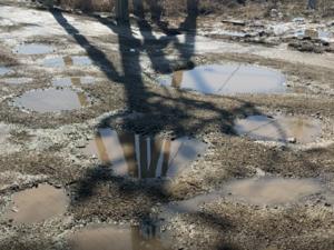 Посыпали щебнем асфальт за 1,2 млн руб. в Челябинской области: ОНФ оценил труд дорожников
