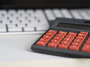 На что тратим деньги? Муниципальным компаниям Нижнего Новгорода грозит финансовая проверка