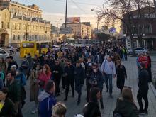 Тысячи участников, выборочные задержания: как прошли протестные митинги по всей России