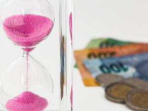 В майские праздники бизнесмены могут заработать на депозите УБРиР до 5% годовых