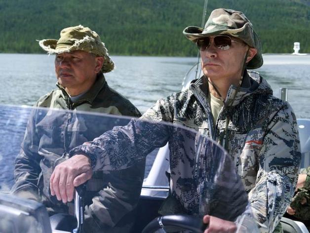 Сергей Шойгу и Владимир Путин на отдыхе