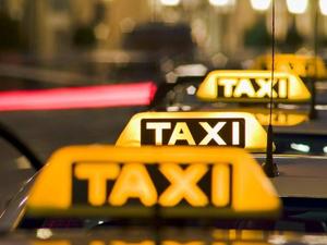 В Челябинской области вдвое снизили стоимость лицензии такси