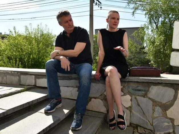 Евгений Ройзман со своим адвокатом Юлией Федотовой в день суда 12 мая