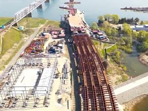 Генподрядчик четвертого моста: надвинуто 102 метра конструкции