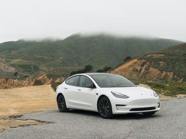 «Мы близки к присутствию». Илон Маск объявил о возможном открытии Tesla в России