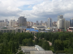«Переписать на бомжа и бросить». Екатеринбург стал анти-лидером по стоимости площадей в ТЦ