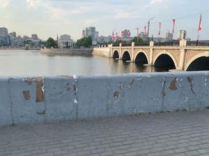 «Ни один крупный город не может так позориться»: в Челябинске игнорируют уборку территорий