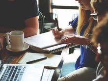 49% сотрудников отслеживают финансовые показатели компании, в которой работают
