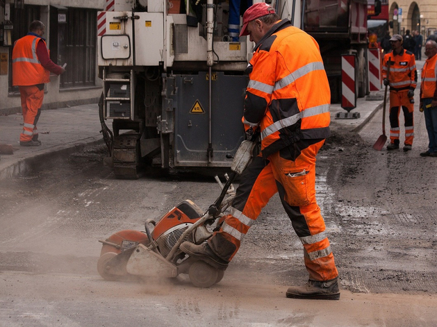 Свердловчане смогут следить за ходом ремонта дорог по онлайн-камерам