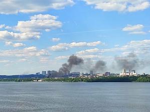 Десятки пожаров прошлись по всему Екатеринбургу в выходные