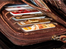 Получать меньше денег или уйти с работы? Жители Челябинска не готовы к сокращению зарплат