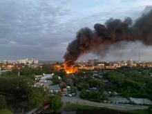 В Екатеринбурге прошла новая волна пожаров. Сгорел известный долгострой