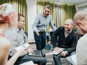 Живое общение и практические кейсы: челябинских предпринимателей обучают экспорту