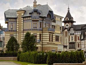 Пропал бизнес в РФ и дом за 4 млн евро. Дети уральского бизнесмена ищут наследство