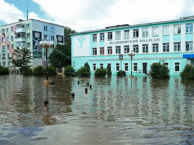 Запуск «бесковидных» ресторанов. Ялту закрыли из-за наводнения. Главное 18 июня