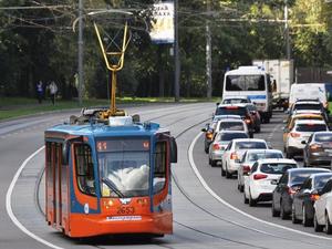 В Челябинске автомобилям запретят заезжать на трамвайные пути