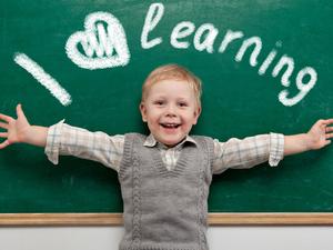 Учим ребенка английскому. Какой формат выбрать, чтобы тратить меньше, а получать больше?