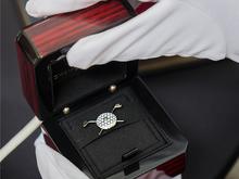 Победители VIP-турнира по гольфу получат золотые нагрудные знаки CHAMOVSKIKH