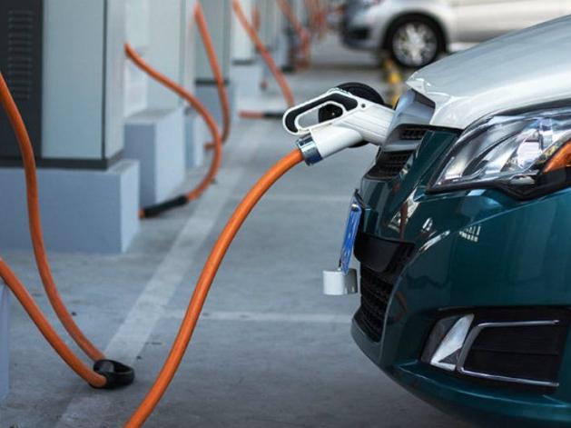 В Екатеринбурге решено развивать инновационный транспорт. Начнут с электрозаправок