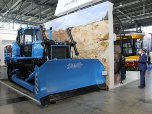 ЧТЗ представил на «Иннопроме» трактор, аналог которого производят только в США