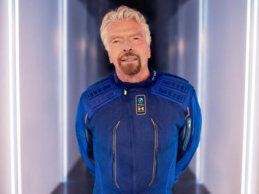 «Когда-нибудь наши олигархи начнут тратить деньги не на яхты, а на космические технологии»