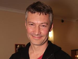 Евгений Ройзман продает картину, чтобы заплатить штраф