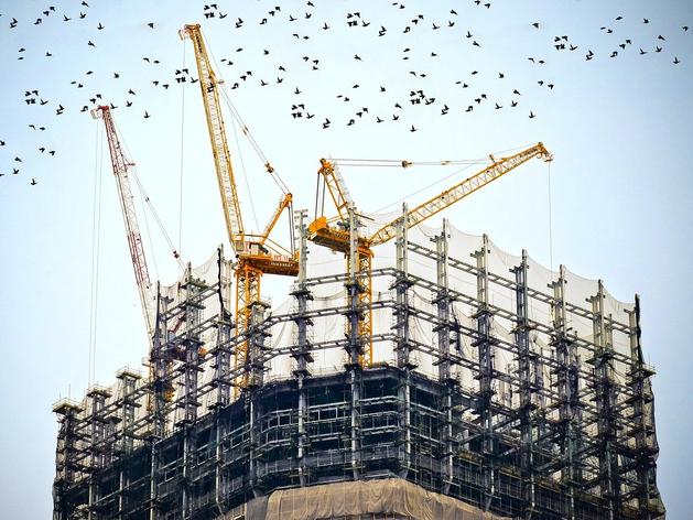 За полгода в России продали в полтора раза больше нового жилья, чем годом ранее