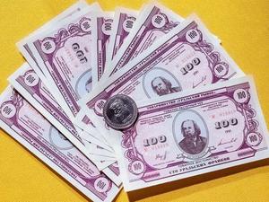 На Урале снова появились уральские франки. Антон Баков выпустил монеты из серебра