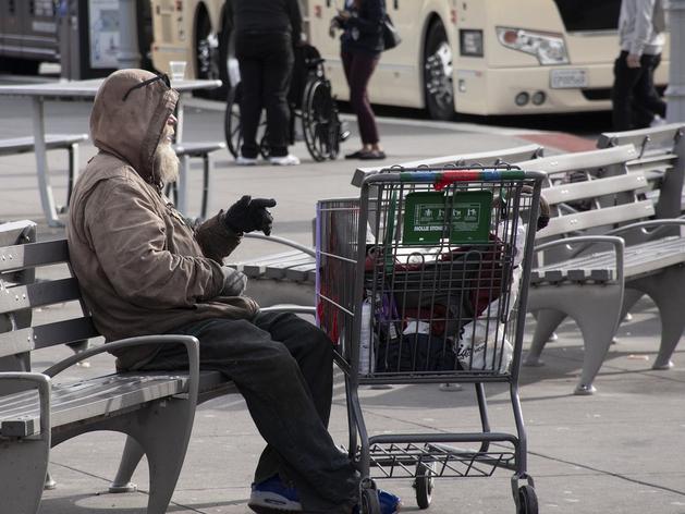 Россияне не готовы к бедности, но беднеют. Цифры