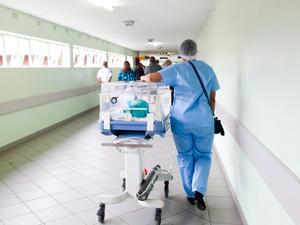 87% российских врачей жалуются на нехватку кадров из-за пандемии COVID-19