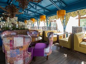 У азиатского ресторана KARMA в Челябинске снесли летнюю веранду