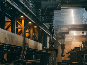 Судебные приставы опечатали здание крупного новосибирского завода