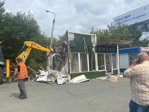 В Челябинске павильон Megaflowers сровняли с землей