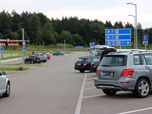 В Екатеринбурге платить за парковку заставят всех. Мэрия нашла выход