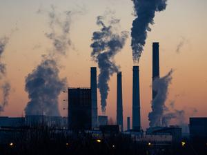 Бизнес дорого заплатит за выбросы парниковых газов: новый проект Минэкономразвития
