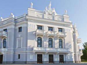 В Театре оперы и балета сделают реставрацию под современное использование за 24 млн руб.