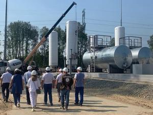 В Тобольске достраивают комплекс по производству сжиженного газа для газотурбовозов РЖД