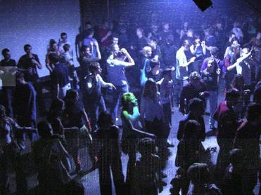Известный андеграундный клуб «Посторонним В» открывается спустя 11 лет