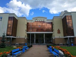 Из элитной гимназии в Екатеринбурге массово уходят педагоги. Что говорят в школе