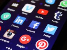 WhatsApp, Facebook и Twitter оштрафованы на 36 млн. Минцифры готовит для них альтернативу