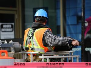 Субъекты УрФО вошли в рейтинг регионов с самыми высокооплачиваемыми работниками