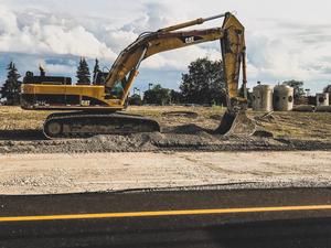 Локоть поручил ускорить реконструкцию улицы Кедровой в Новосибирске