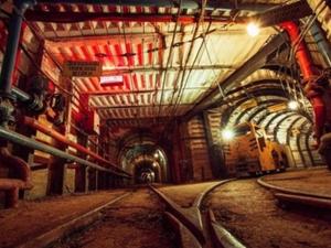 Бастовавшим в Свердловской области шахтерам пообещали большие премии и профсоюз